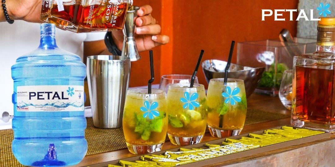 Nước tinh khiết PETAL dùng pha chế đồ uống
