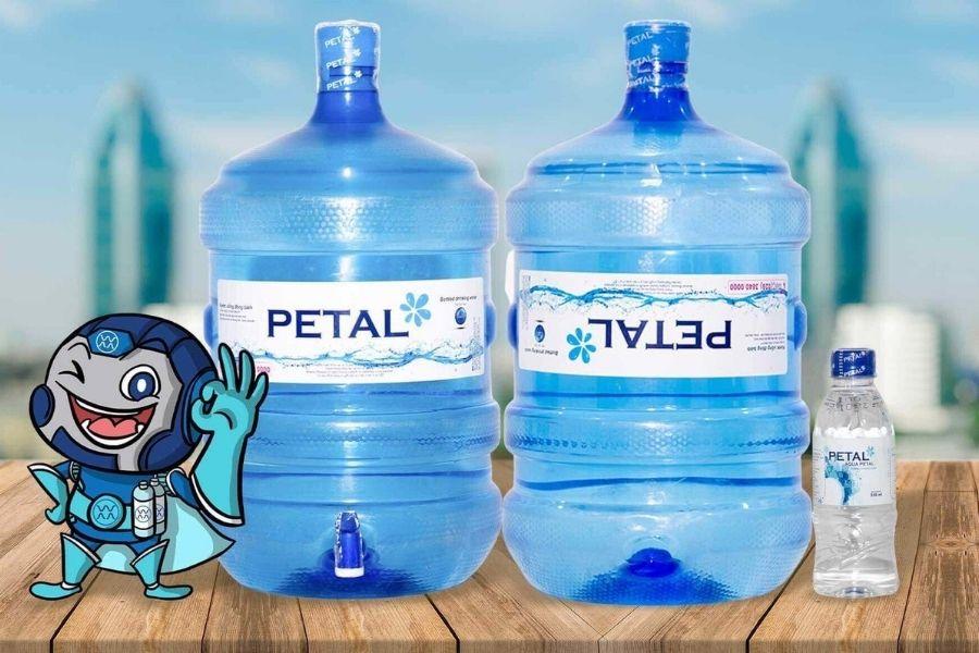 Nước tinh khiết PETAL có nhiều dung tích khác nhau