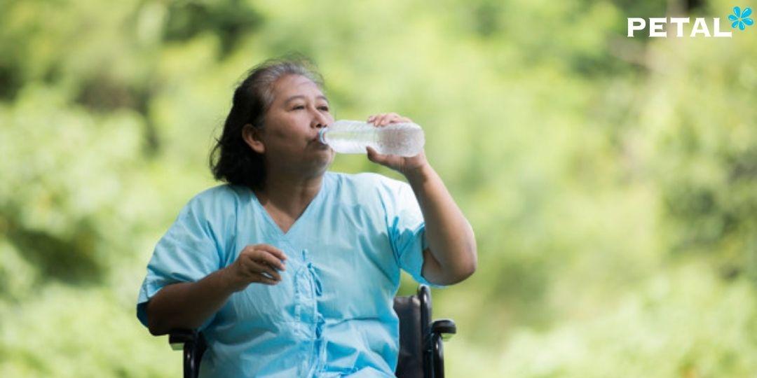 Tuổi càng cao đồng nghĩa với việc chức năng cơ thể suy giảm